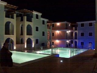 Delizioso appartamento con piscina e piscina con idromassaggio