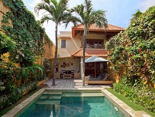 Luxury Balinese villa: Great location; Pool fence; TripAdvisor Excellence Award