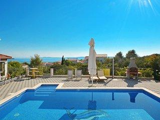 THALIA, moderne Ferienwohnung mit Pool & Meeresblick, für 4+2 Personen