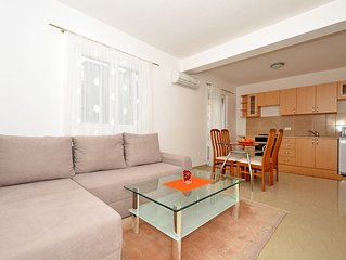 IGOR 2a, bright one bedroom apartment for up to 4 persons, 150m from the beach