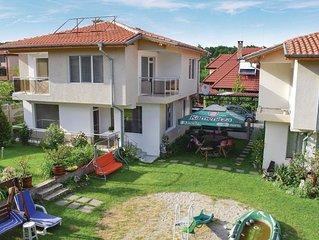 4 Zimmer Unterkunft in Village Velika