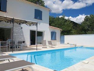 Nieuwe villa met privezwembad, 10 pers