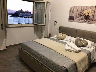 Meraviglioso appartamento fronte mare nel cuore di Civitavecchia -8 posti letto