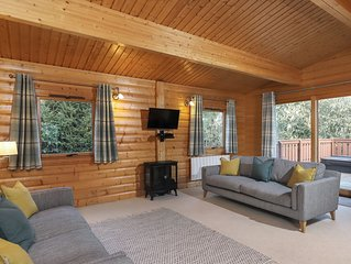 5 star, award winning Scandinavian Lodge with luxurious hot tub