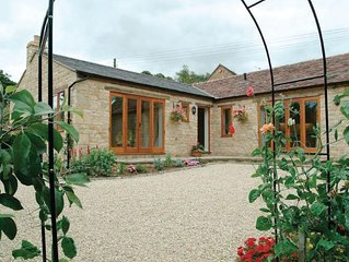 Cider Press Cottage is a light, warm and spacious semi-detached property.