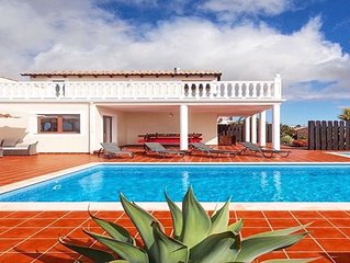 A beautiful & peaceful boutique style Villa, in the delightful village, Lajares