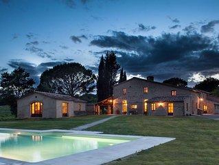 Villa in Buonconvento with 9 bedrooms sleeps 20