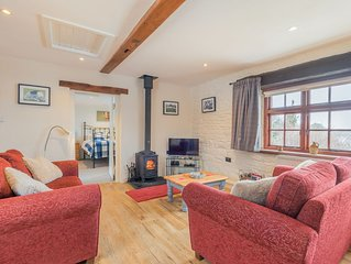 Inglewood Cottage, former dairy offering single story, dog and family friendly
