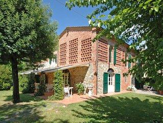 Villa in Orentano with 5 bedrooms sleeps 12