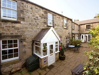 Conway Cottage - Two Bedroom House, Sleeps 4