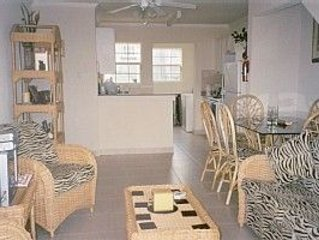 Luxury apartment close to West coast beaches and restaurants