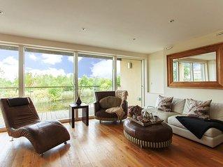 Velvet Lodge - 3 Storey/5 Bed/4 Bath Lakeside House sleeps 10 adults + 2 kids
