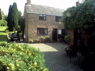 Self-Contained Annexe, Ashton, Near Leominster. Pet friendly.