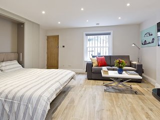 Stylish Notting Hill Studio Flat that can sleep 4 people