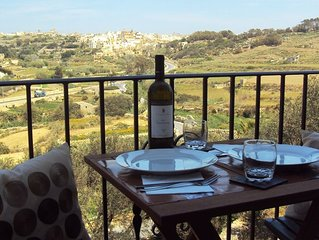 Modern, 2 Bedroom Apartment with views in Gozo (Malta), free WiFi, A/C