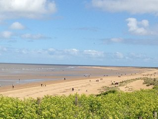 Spacious 3 bed holiday cottage in Hunstanton only 5 minute walk to the beach.