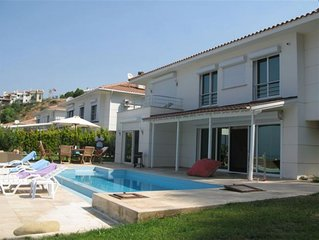 Exclusive Escape, Private Villa With Sea Views