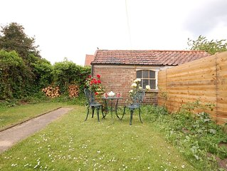 Abbeydene -  an attractive cottage that is close to the beach & located in beaut