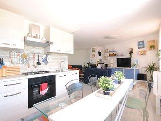 Civico 43: Bellissimo appartamento con giardino fronte mare a due passi dal mare
