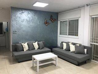 Liora big apartment in Arnona