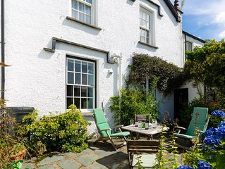 Honey Cottage - Two Bedroom House, Sleeps 4
