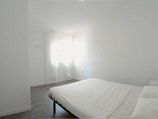 Habitación Doble Con Armario Empotrado En Piso Compartido - Pta Del Ángel 3D6