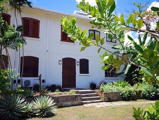 Large, Quiet, 1 or 2 Bedroom Apt., Cool Tropical Breezes On Gorgeous West Coast!