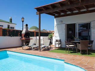 Villa Salus con 3 dormitorios y piscina privada.