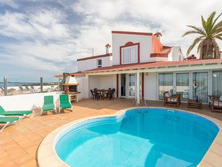 Villa Remos OchoVilla Remos Ocho: Private Pool, A/C, WiFi, Sea Views, Walk to Be