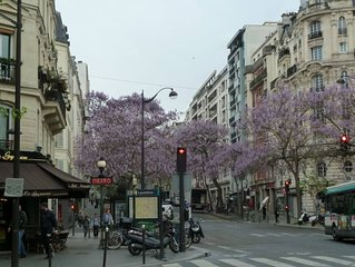 XIXème arrondissement - appartement dans résidence, 250m du métro