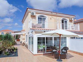 perfektes Ferienhaus mit Meeresblick am Fuerteventura Golf Resort, WLAN, Netflix