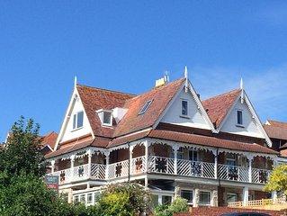 Alrose Villa, wrap around balcony sea/hill views, minutes walk from beach/ town.