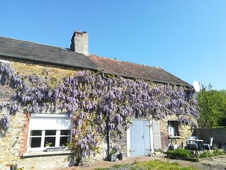 Perfect hideaway in a rural setting, yet only a 10 minute walk to the village.