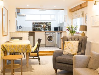 Somewhere Special-newly renovated contemporary 17th cent Cumbrian cottage for 2
