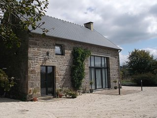 Luxury Barn In Peaceful Rural Surroundings. Close to village,  Free WiFi.