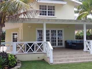 Fantastic Home with additional Cottage with Pool & Beach Access