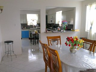 Tremont, Spacious Air Conditioned 4 bed detached house near Miami Beach