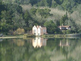 Schones Ferienhaus fur 4 Personen in ruhiger Lage am See