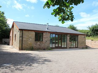 Beautiful secluded Wye Valley converted barn, in woodlands