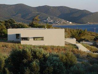 Modernes Ferienhaus mit Meeresblick, grossem Garten und Terrasse