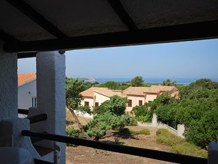 Graziosa villetta vista mare in residence con piscina