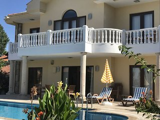Villa Yasemin. 4 bedroomed detached private villa with pool, garden, BBQ, wifi
