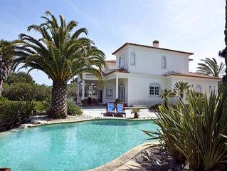 4 bedroom Villa, sleeps 9 with Pool and FREE WiFi