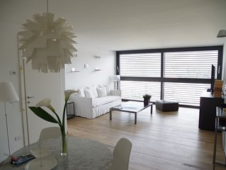 Il Flat.  Lakeview apartment in private house with parking