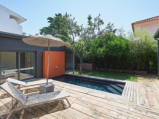 Modern 3 BR Villa in w/ private pool, sleeps 6 - close to Cascais centre