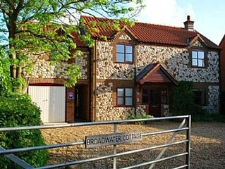 Self-catering Holiday Cottage In Holme Next The Sea, North Norfolk Coast 4-star.