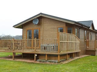 Wooly Willow Lodge with Hot Tub Sleeping up to 4 persons