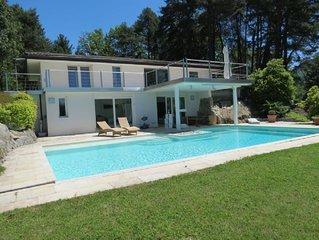 Villa Violetta a Luino con piscina e giardino