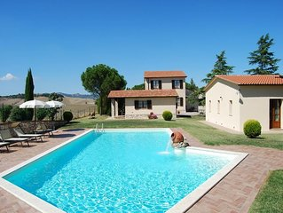 Villa with private pool in Val d'Orcia