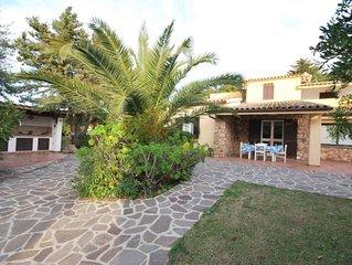 Villetta con ampio giardino, barbecue, doccia esterna, posto auto, in Residence